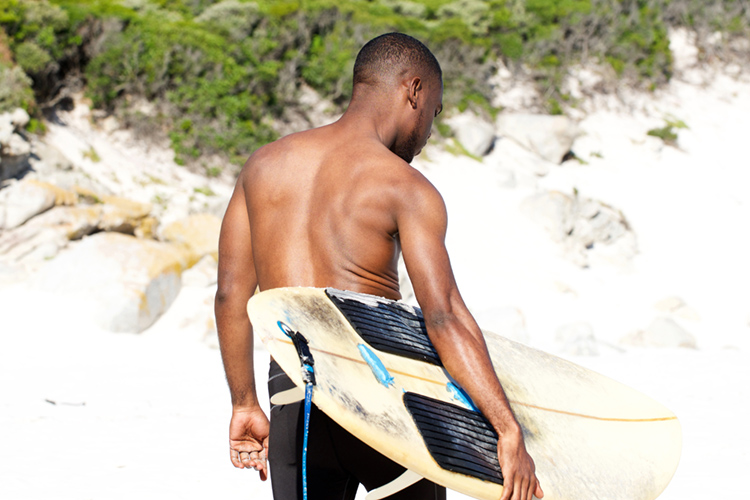 Black surfers: they rarely reach the spotlight | Photo: Shutterstock