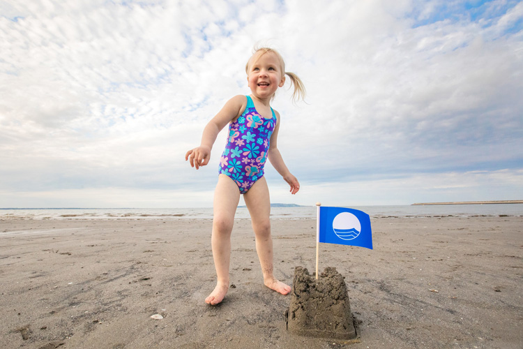 Environmental management: a Blue Flag beach must always be clean | Photo: FEE