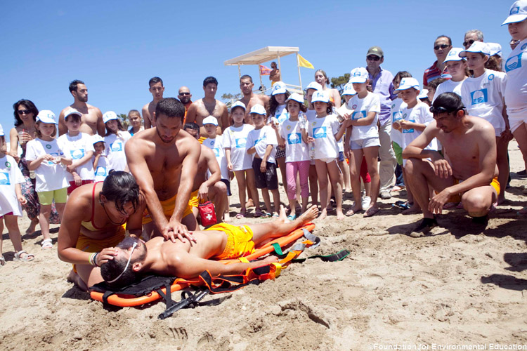 CPR: Blue Flag beach must provide first-aid equipment | Photo: FEE