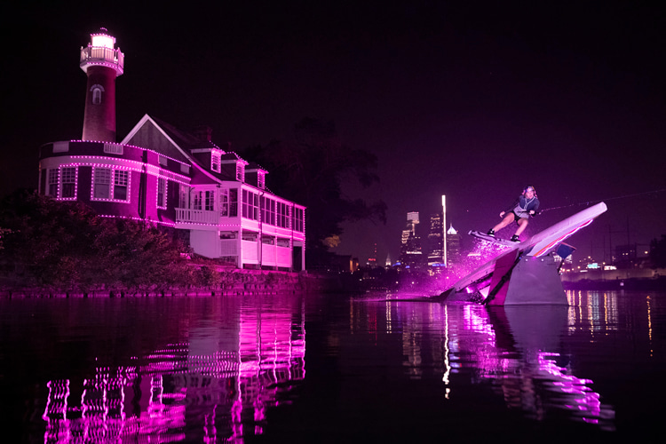 Boathouse Row: Meagan Ethell celebrates Breast Cancer Awareness Month | Photo: Red Bull