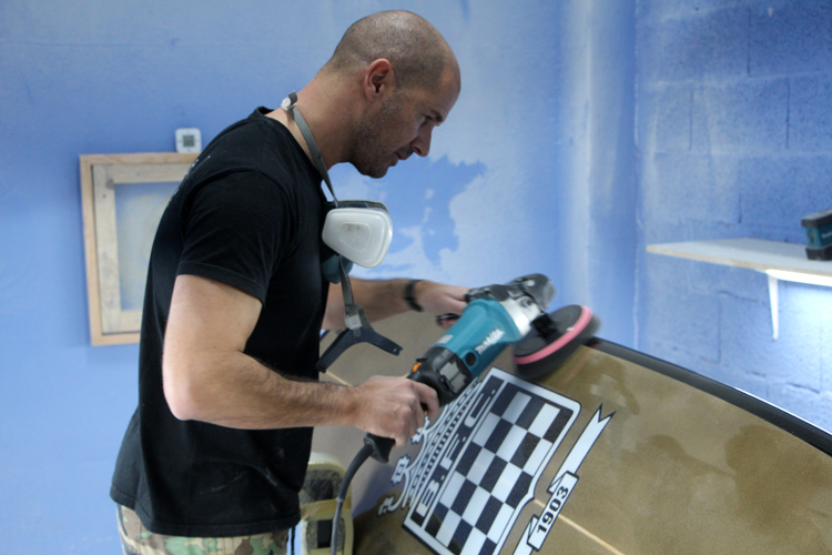 Boavista FC surfboard: polishing this beauty took five hours | Photo: SurferToday