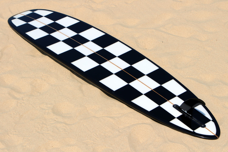 Boavista FC surfboard: the checkered bottom looks stunning | Photo: SurferToday
