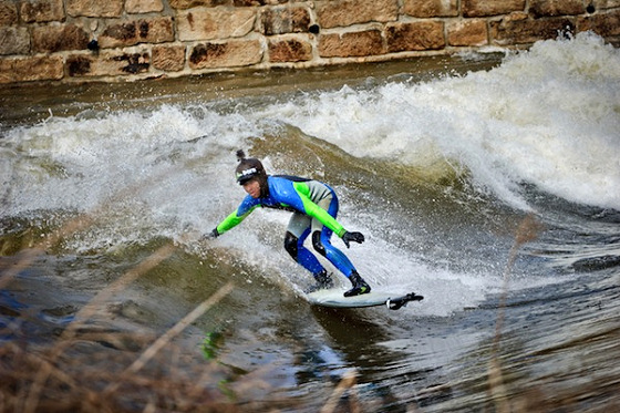 Bobr River: surfing in Poland's static wave | Photo: Pawel Oska