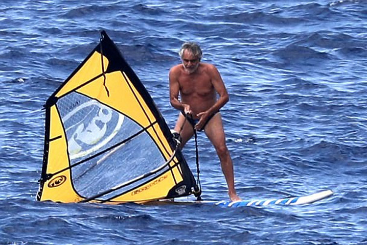 Blind tenor Andrea Bocelli goes windsurfing