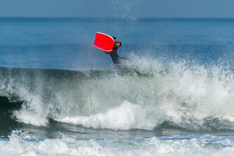 Airs: an advanced bodyboarding maneuver | Photo: Shutterstock