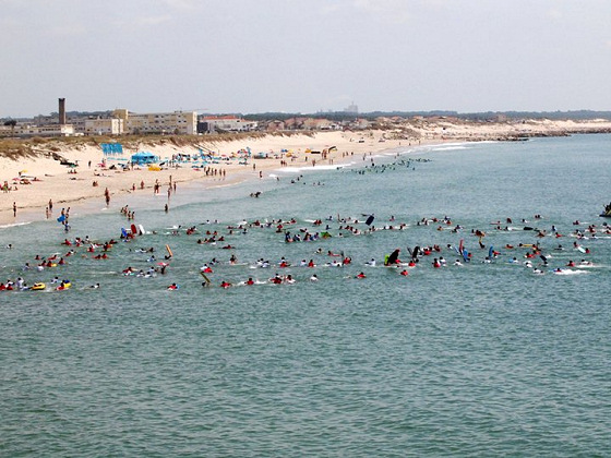 272 bodyboarders in Figueira da Foz: that's what we call crowded line-up