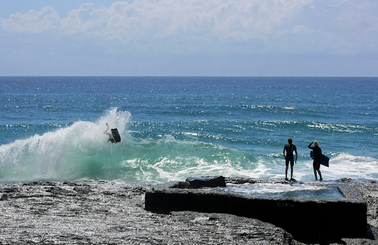 Bodyboarding: rocky breaks are peaky headaches | Photo: Unknown Author/Creative Commons