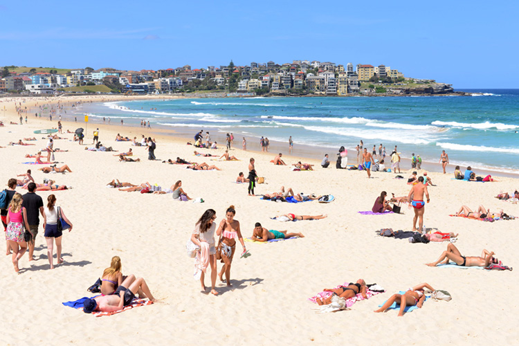 Bondi Beach: foil boards are not allowed here | Photo: Lannuzel/Creative Commons