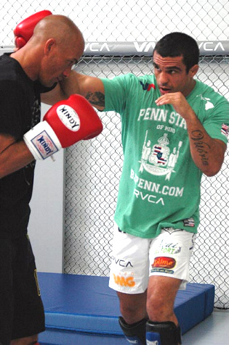 Kelly Slater training with Vitor Belfort