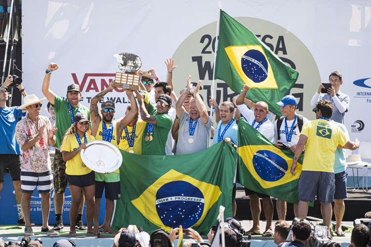 Team Brazil: winners of the 2019 ISA World Surfing Games | Photo: Reed/ISA