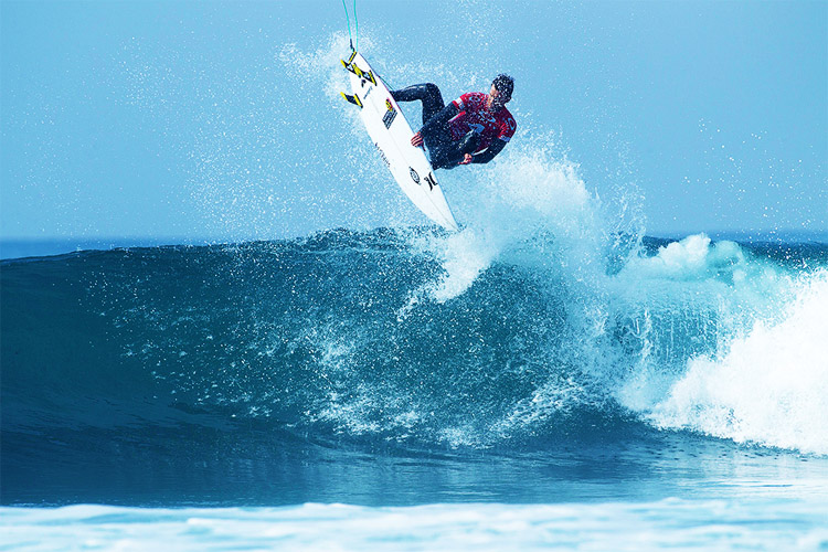 Brett Simpson: he helped his Huntington Surf & Sport team win the Oakley Surf Shop Challenge | Photo: Swae/Oakley