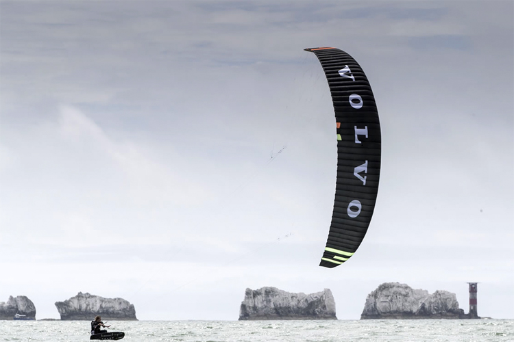 Isle of Wight: Steph and Guy Bridge broke two speed sailing records | Photo: Mark Lloyd/Volvo