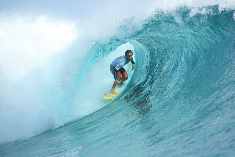 Bruno Santos: a Teahupoo tube riding specialist | Photo: Cestari/WSL