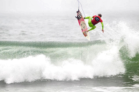 Bud Light Lime Surf Series: a cold beer gives you wings