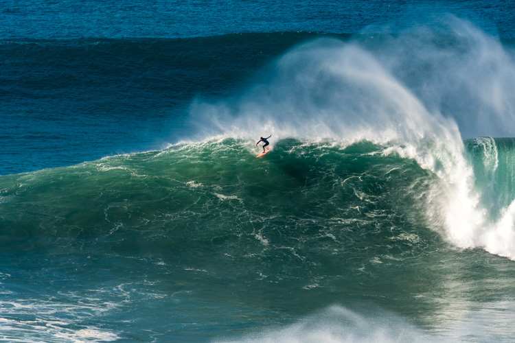 Big Wave Risk Assessment Group: saving lives in high surf scenarios | Photo: Shutterstock