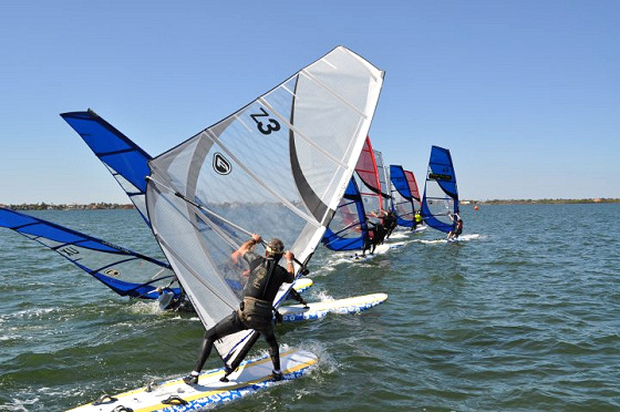 Calema Midwinters: strange windsurfing styles displayed