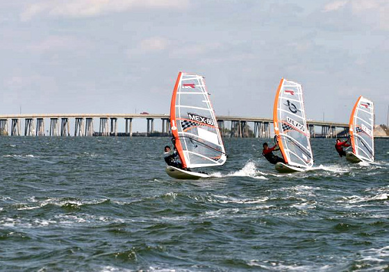 27th Calema Midwinters: strong winds and long bridges