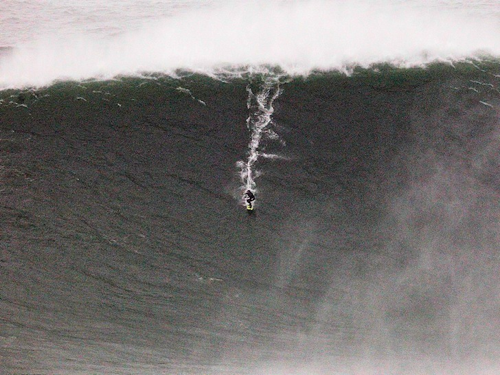 Carlos Burle: Brazilian big wave charger defies Nazaré
