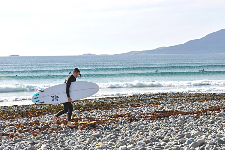 Carrowniskey: a perfect spot to learn to surf | Photo: Surf Mayo