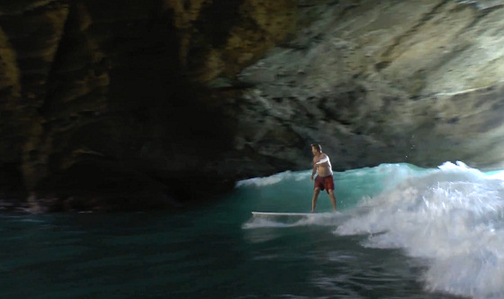 Cave Surfing: welcome to the Green Room