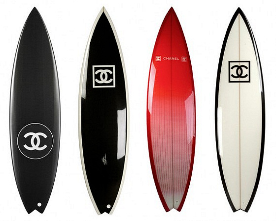 Chanel fashion house releases luxury surfboards for Planche de surf decorative