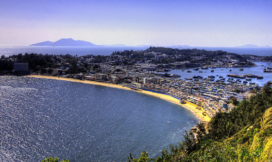 Cheg Chau Island: beautiful and windy