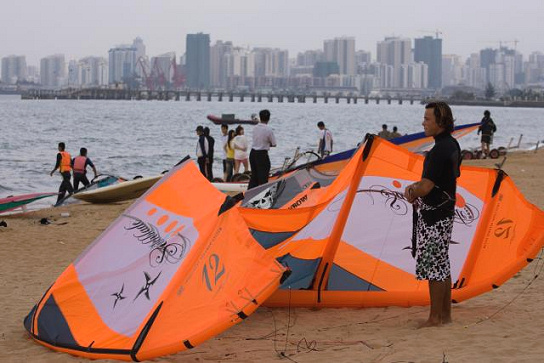Kiteboarding is kicking off in China