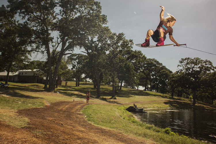 Chris Abadie: urban wakeboarding madness | Photo: X Games