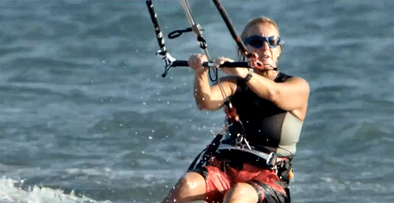 Claire Bunton: 747 captain and kitesurfer