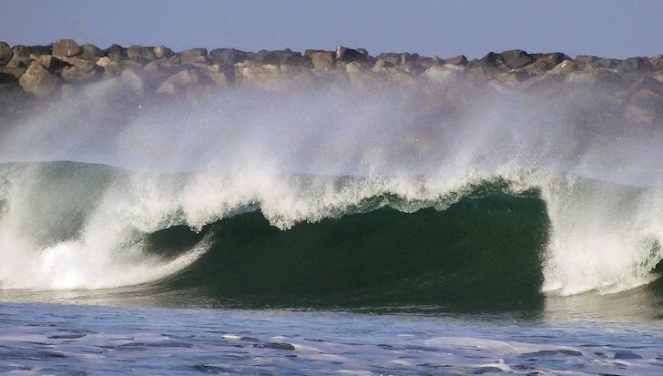 Closeout wave: don't surf it