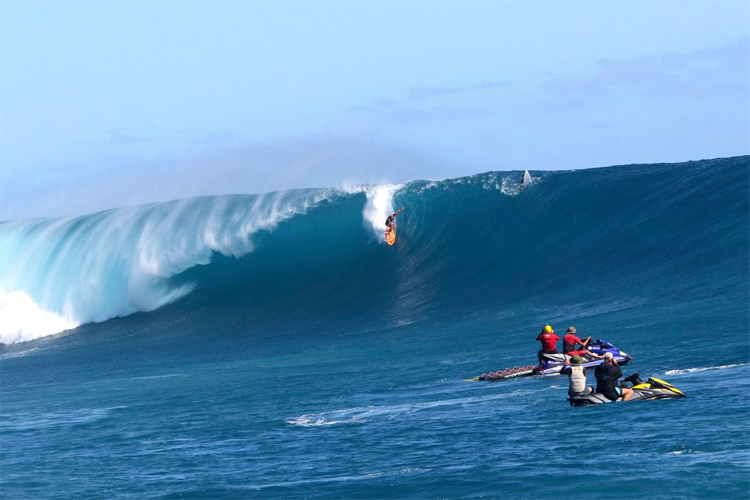 Cloudbreak: Dane Gudauskas drops into heaven | Photo: WSL