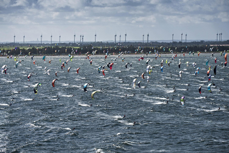 2015 Red Bull Coast 2 Coast: 500 kiteboarders crossing the Baltic Sea | Photo: Marko/Red Bull