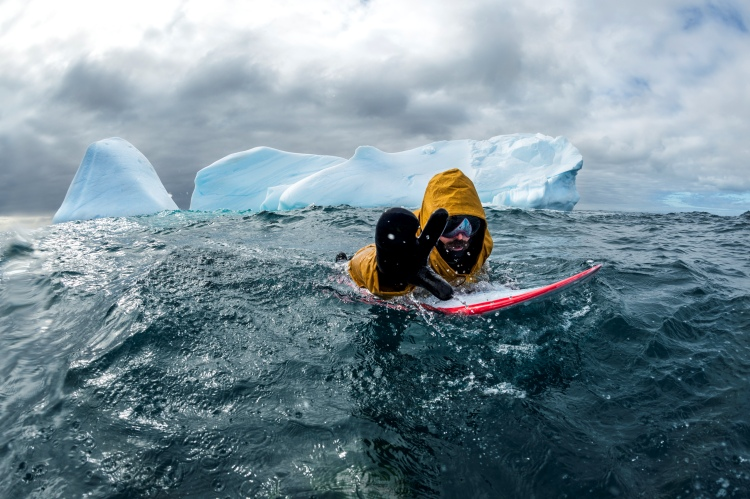 Cold water: when wetsuits are not enough | Photo: De Heeckeren/Red Bull