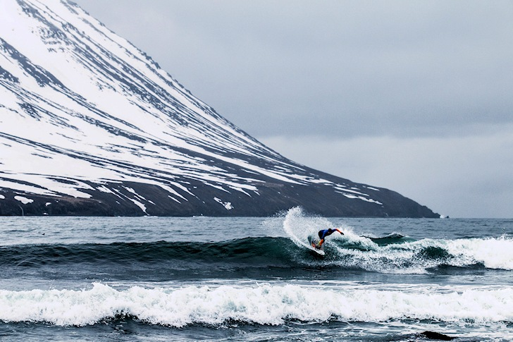 Cold water surfing: icy waves | Photo: Nixon Surf Challenge