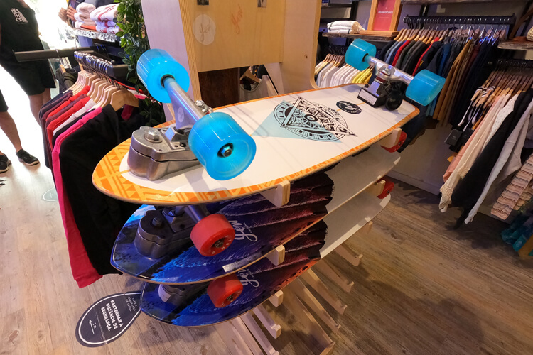 Skate shop: find everything you need for your skateboarding sessions | Photo: SurferToday