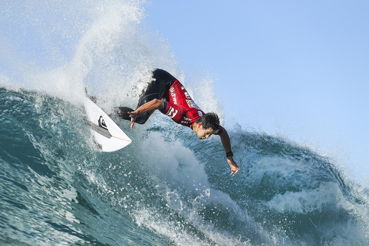 Connor O'Leary: attacking the Ballito right-handers | Photo: Cestari/WSL