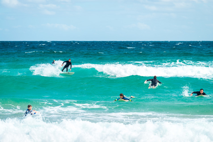 Surfing: crowded lineups lead to localism | Photo: Shutterstock