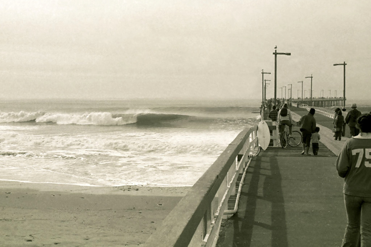 C Street: one of the best surf spot in the Ventura County | Photo: Creative Commons
