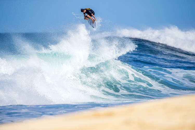 Dane Reynolds: his Chapter 11 features plenty of signature airs | Photo: Moran/Red Bull