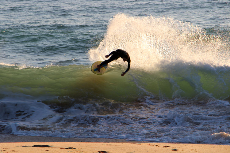 David Marques: a talented skimboarder from the sand spits of Faro, in Portugal | Photo: SurferToday