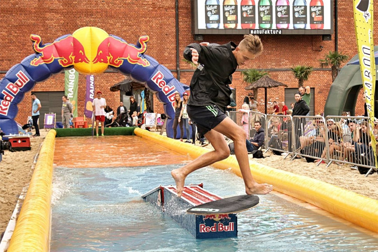 Dawid Pruski: the Polish skimboarding champion ruled Lodz | Photo: Kaliszczyk/Red Bull