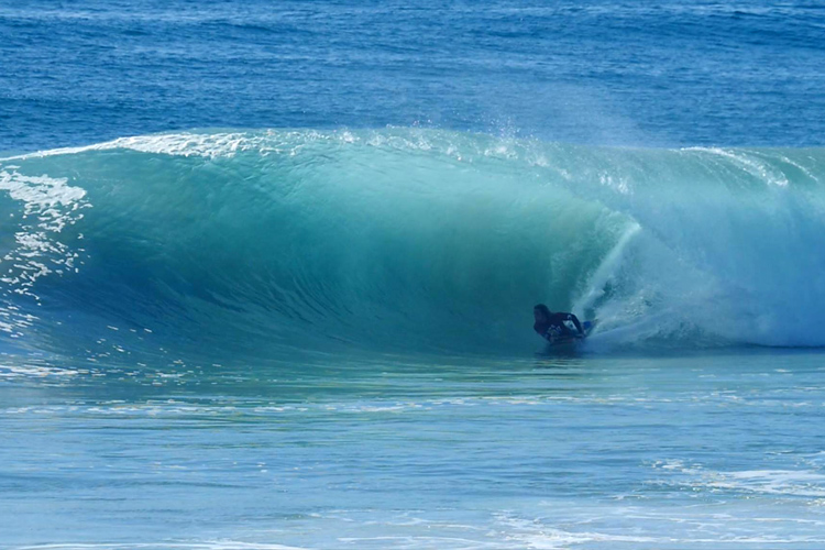 Inverted Bodyboarding Dbah Pro: perfect blue barrels | Photo: ABA Tour