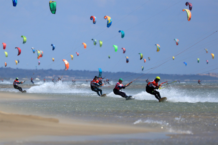 2019 Défi Kite: 400 riders battling the Tramontane wind | Photo: Défi Kite