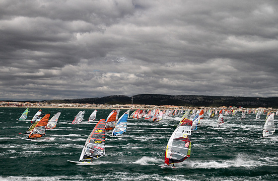 Défi Wind 2013: up to 805 windsurfers racing for victory