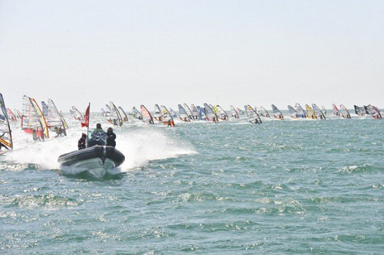 Défi Wind: more than 1000 windsurfing maniacs