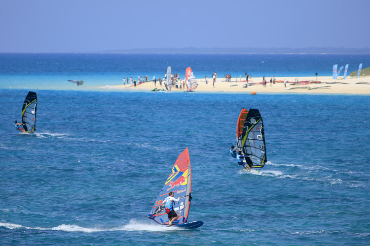 Défi Wind Japan: local windsurfers will compete against super stars | Photo: Défi Wind