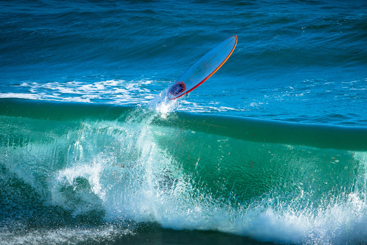 Surfboard: keep it under control all the time | Photo: Shutterstock