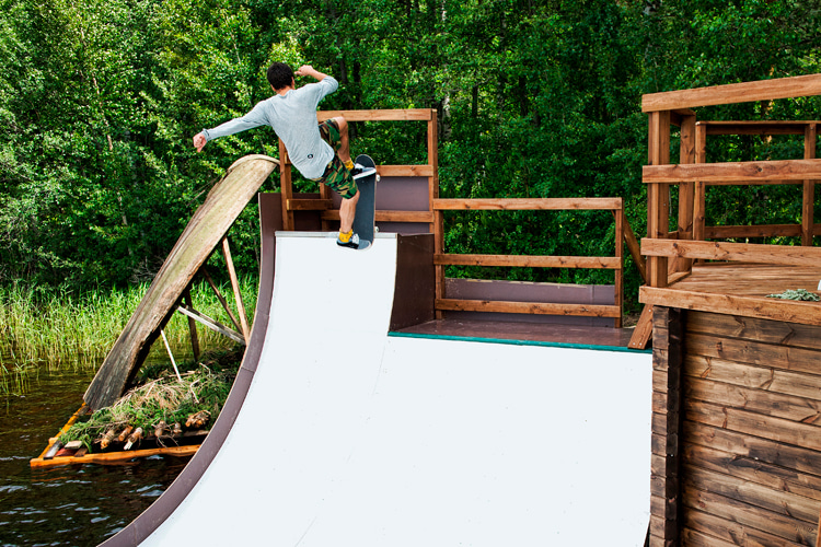 Half-pipe: learn how to build your own mini ramp | Photo: Red Bull