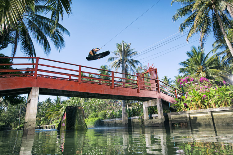 Dominik Gührs: the German wakeboarder rode through the famous Ancient City as well as the bustling Floating Markets | Photo: Bardos/Red Bull