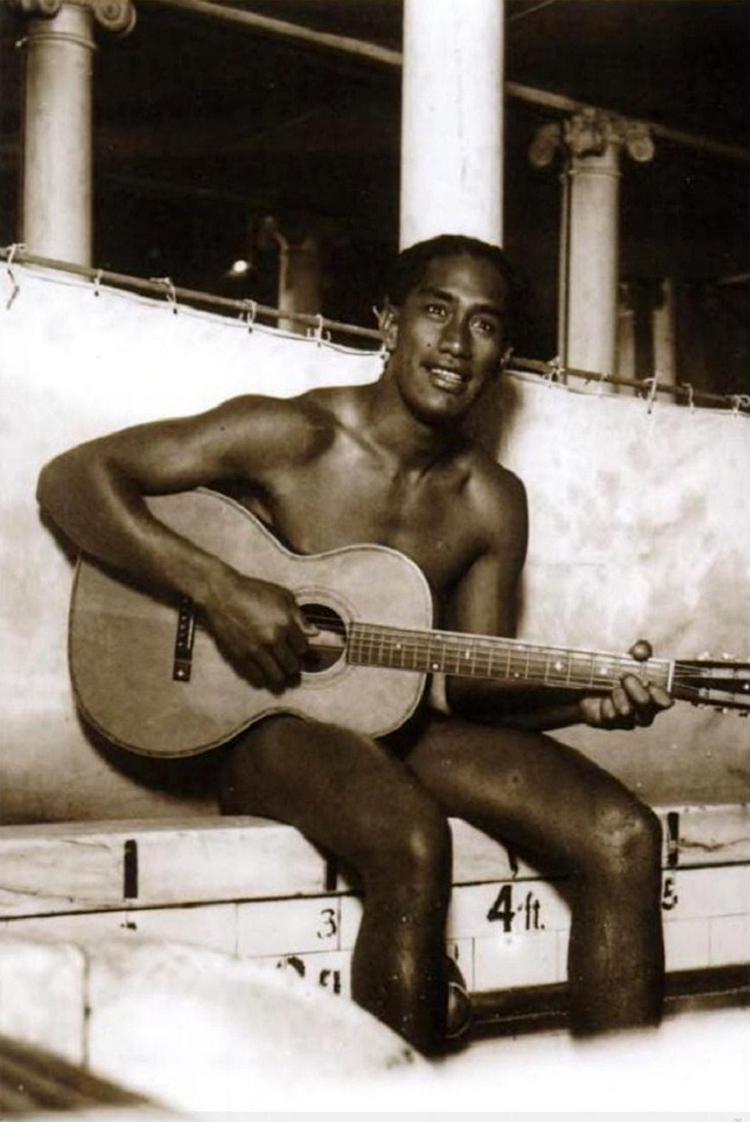 Duke Kahanamoku | Photo: Chicago Historical Society
